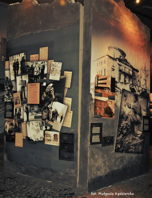 zwiedzanie muzeum powstania warszawskiego